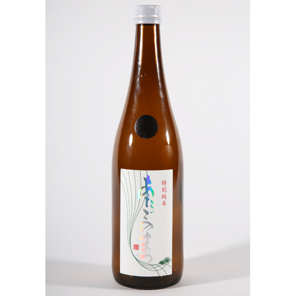 ↑↑SAKE COMPETITION 2016の純米酒部門の1位となった「あたごのまつ 特別純米」(1.8ℓ2624 円)