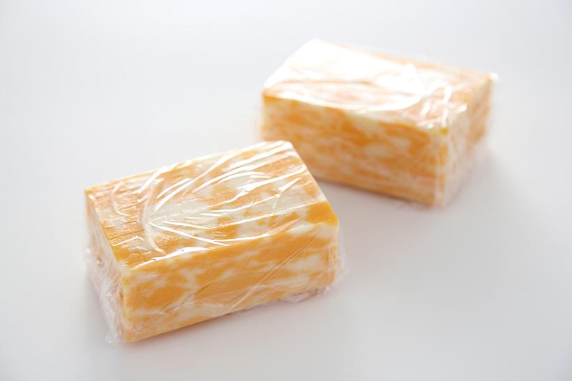 ↑使いきりサイズに切っておけば、調理する際に便利。冷凍庫のスペースに合わせたサイズに切るのもオススメ