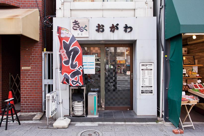 ↑同店は元々書店だった建物をそのまま使っている