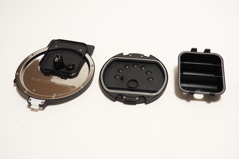 ↑内フタは3つのパーツに分解して洗浄します。「蒸気口 上ケース」など、凹凸の多いパーツもあります