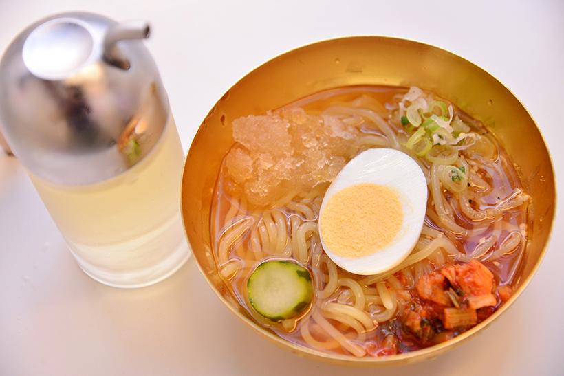 名物こだわりの一口冷麺(withリンゴ酢)