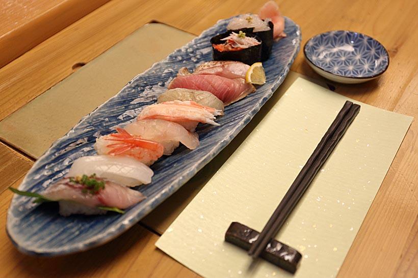 """↑富山を訪れたら新鮮な魚介類を楽しみたい。富山の方言では新鮮なことを""""きときと""""と表現する"""