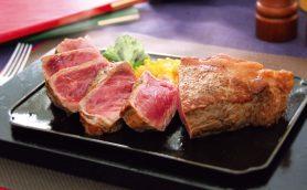 """人気チェーン&ファミレスの""""ステーキ""""の実力を判定! いちばん肉々しくてボリューミーなのは……"""