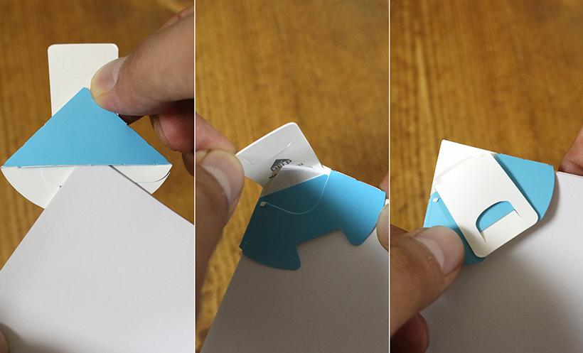 ↑紙のカドを折り込むことで最大15枚まで綴じられる