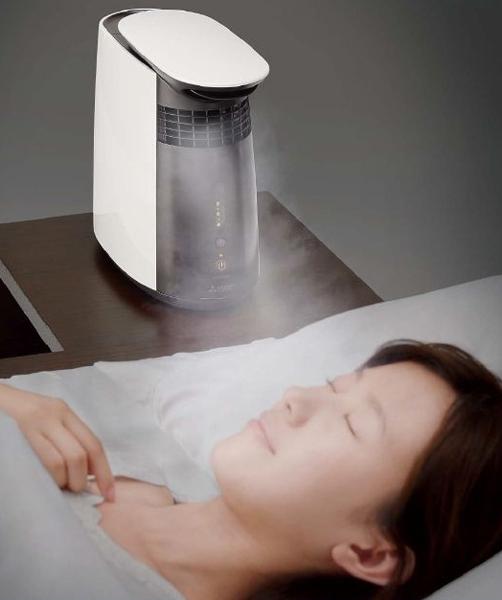 ↑高温スチームと常温風を混合してちょうどいい温度のスチームにすることで、顔周りに潤いを届けます