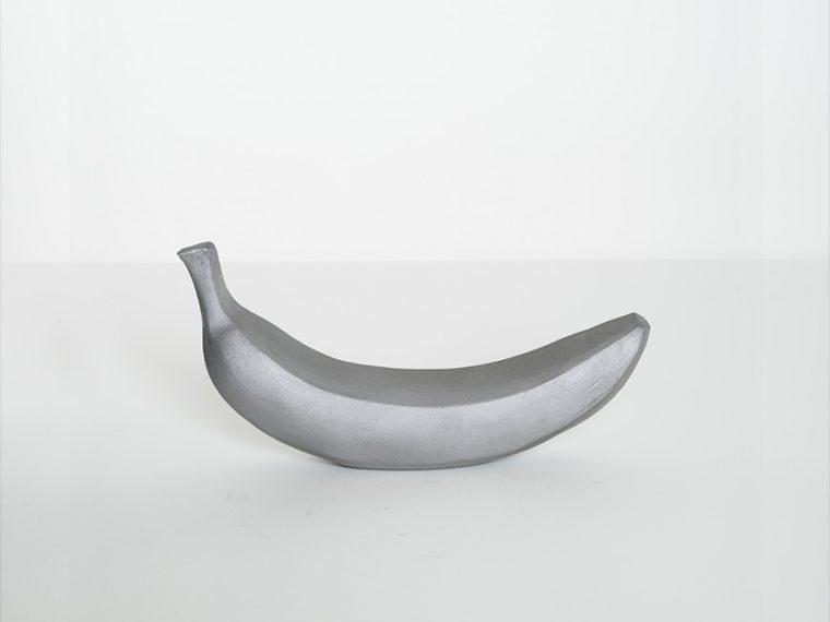 ↑kawara banana(瓦のバナナ6800円)