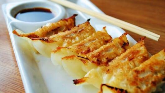 「餃子の王将」が教える、家で餃子を美味しく焼くワザ