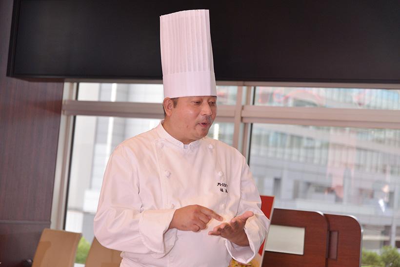 ↑担当者の福島宣嘉シェフ。老舗の中華レストランを経て「すかいらーく」に入社し、15年以上バーミヤンのメニュー開発に携わっているプロフェッショナルです