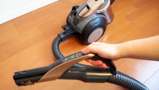 【レビュー】サボりぬいた場所を一掃する快感! 三菱「風神」の「エアブロー機能」で家中を掃除できた!