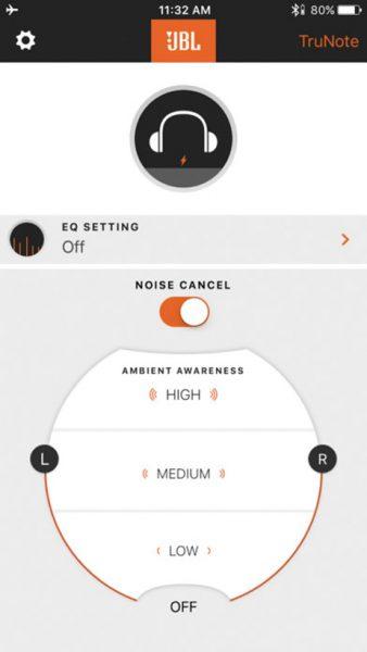 ↑アプリのUIがシンプルで使いやすい。多彩な機能は本体に備えたボタンでも操作できる
