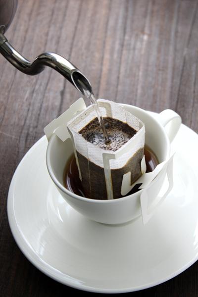 ↑カップに引っ掛けてお湯を注げばOK