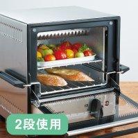 ↑2段使用だと、おかずもパンも熱々のまま食べられます