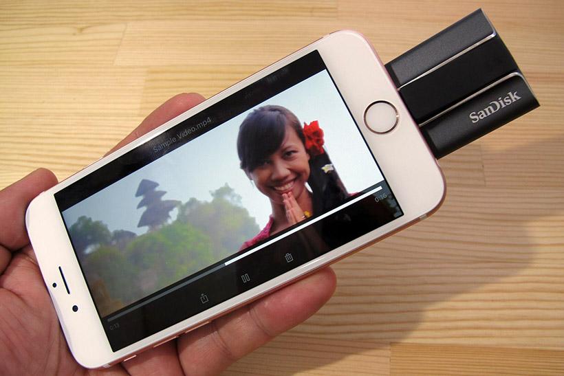 ↑iXpand Syncアプリは、動画、写真、音楽データを再生可能です。iPhoneの残り空き容量が少なくなったときに、外部ストレージとして重宝します