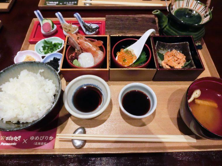 ↑北海道の新鮮な海の幸をたっぷりと詰め込んだ御膳。八代目儀兵衛流の海鮮丼と海鮮茶漬けを同時に楽しめます