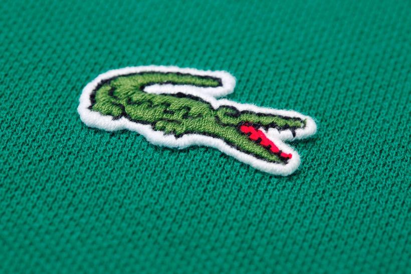 ↑おなじみのワニのロゴ。単一の高級糸を使い編み上げた鹿の子素材は、贅沢な光沢と耐久性を併せ持っています