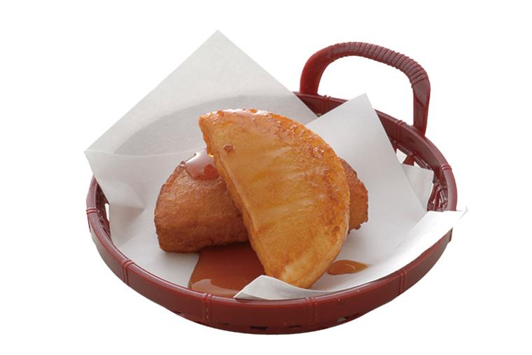↑北海道直送 いももち(141円) 北海道の郷土料理 で、ざらめとしょうゆ の甘いたれが決め手。 モチモチ感とじゃが いもの風味も絶妙だ