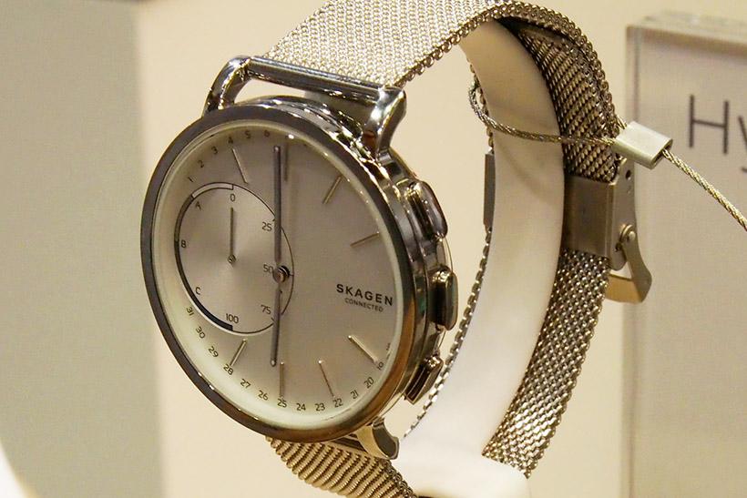 ↑スカーゲンのスマートウォッチ。デザインの良さは腕時計メーカーらしい製品だ