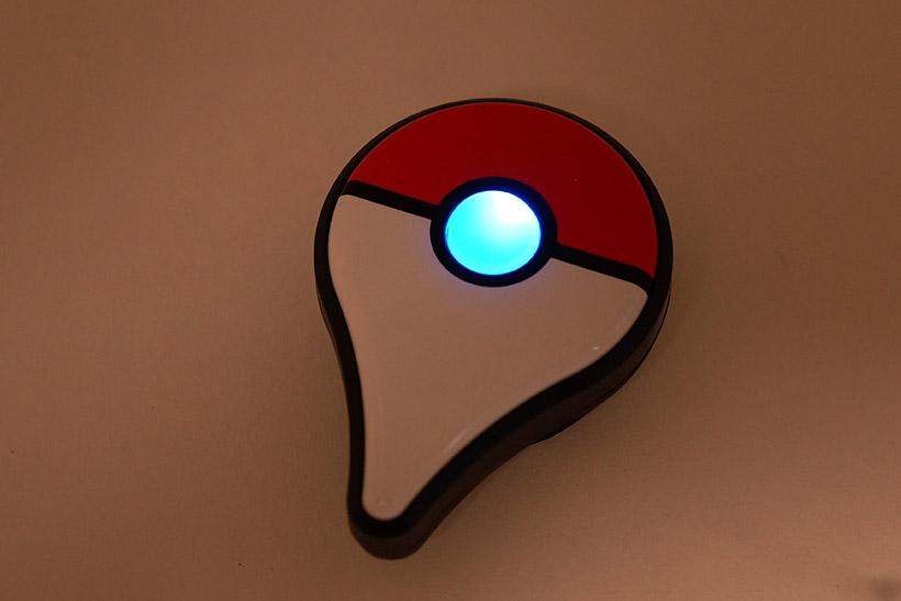 ↑ここで、ポケモンGO Plusのボタンを押します。青く光ればペアリング準備完了です