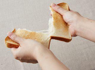 ↑パンを焼くと外はカリッ、中はモチモチに焼きあがります