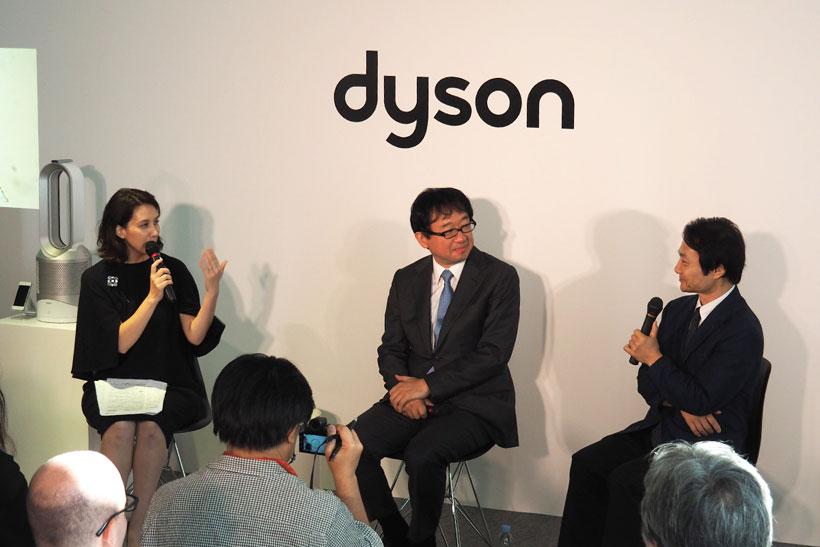 ↑トークセッションの様子。現在フリーアナウンサーの政井マヤ氏が進行を務めた