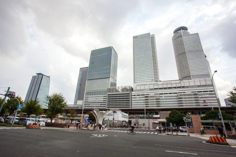 ↑名古屋駅から「ロイヤルパークスERささしま」まではこちらの太閤通口から徒歩約16分、桜通口からは約1,500m/徒歩19分