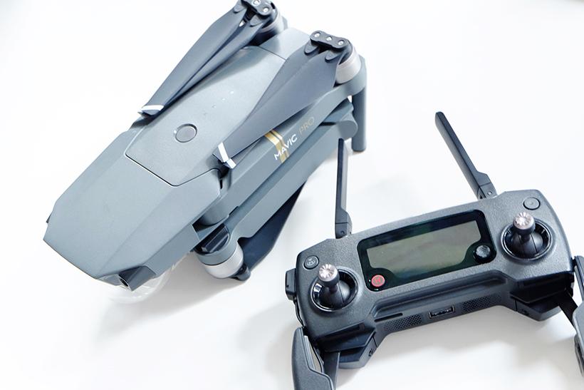 ↑Mavic Pro本体と送信機
