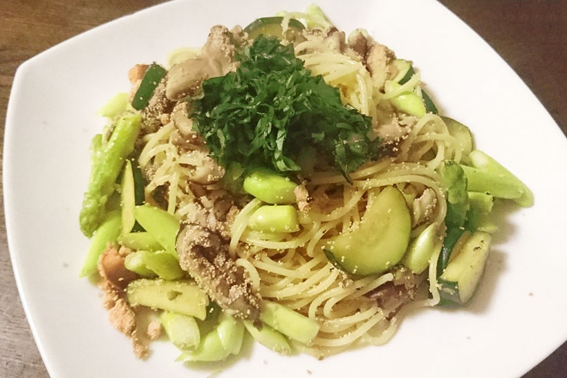↑燻製タラコを使ったタラコスパゲティは、からすみスパゲティのような高級感ある味に。燻製させると味が濃くなる傾向があるので、食材を調味料のように使用できるのも魅力的です