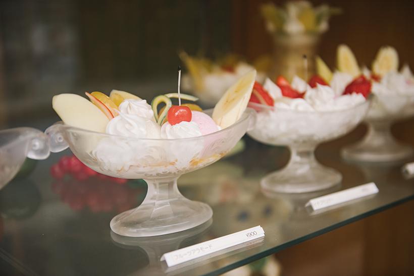 ↑「純喫茶パインツリー」のフルーツアラモードの食品サンプル