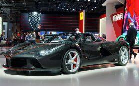 フェラーリ70周年記念車は「ラ・フェラーリ」ベースのオープンモデルで最高速350km/h