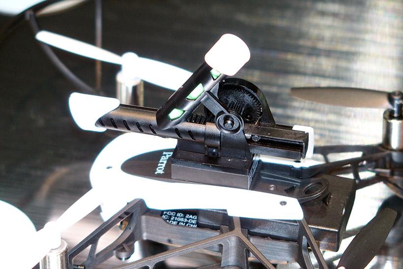 ↑付属のキャノン砲。BB弾6発が収納でき、射程は約2メートル