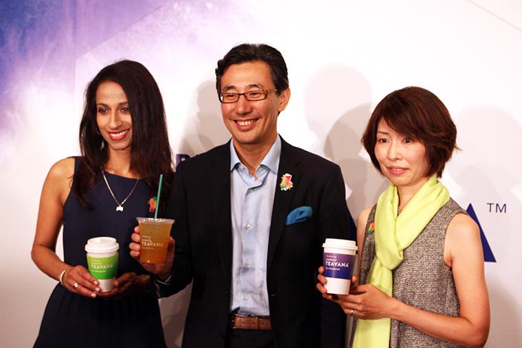 ↑左から、アジアパシフィック ビバレッジ イノベーション ディレクター サンディア・バラールさん、CEO 水口貴文さん、商品本部 ビバレッジ部 部長 西岡京さん