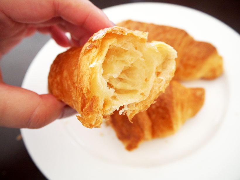 ↑表面はサクサクですが、中はしっとりバターの風味もたっぷり!