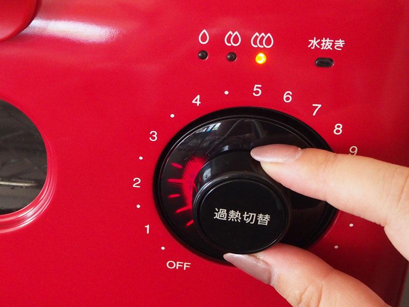 ↑中央の過熱切替ボタンで、過熱のパワーを3段階から選び、ダイヤルを回して時間を設定するだけ
