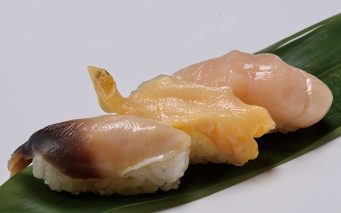 ↑北海道産 貝三昧(594円) 北海道の貝類の定番、ほっき貝、ほたて、つぶ貝を産地直送で仕入れた。鮮度抜群だからこその歯応えと甘みが堪能できる