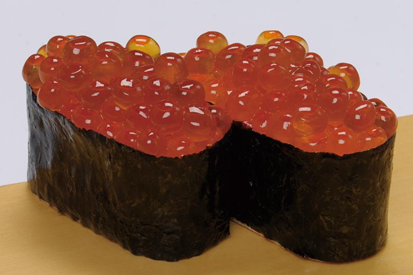 ↑北海道産いくら/二貫(378円) ↑色鮮やかな北海道産のいくらがたっぷり。ひと粒の皮の柔らかさと、とろ〜りとクリーミーで濃厚なうまみが特徴だ