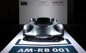 まるで宇宙船!アストンマーティンがスーパーカー「AM-RB 001」を日本で初公開