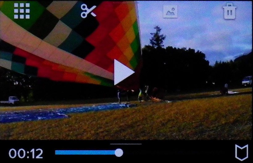 ↑再生画面。簡単なカット編集や、動画の1シーンを静止画として取り出すことなどもできます