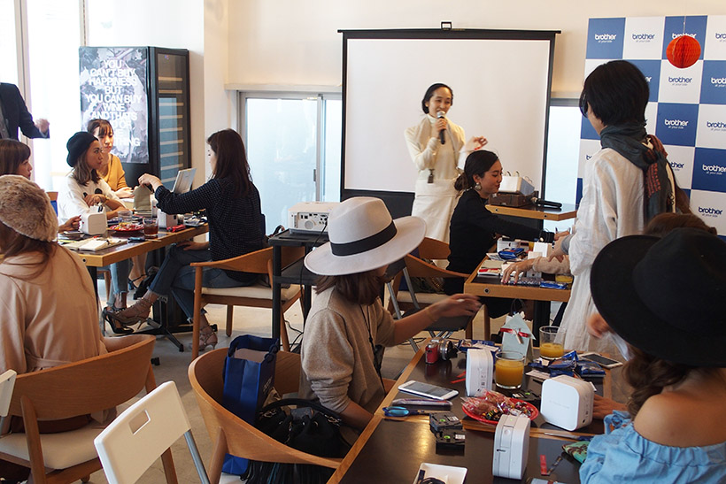 ↑第2部は山田てるみさんによるラッピング講座を体験。小川奈々さんの収納講座も行われました