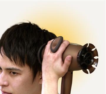 ↑遠赤外線を当てながら毎分約3700回の振動を与える「スカルプHモード」。温めながら頭皮を刺激します