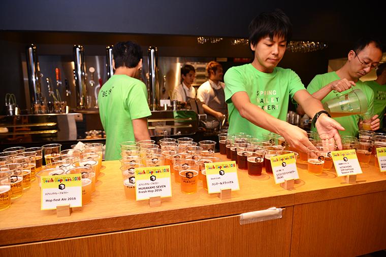 ↑試飲会ではフレッシュホップを使った各社限定のビールがズラリ