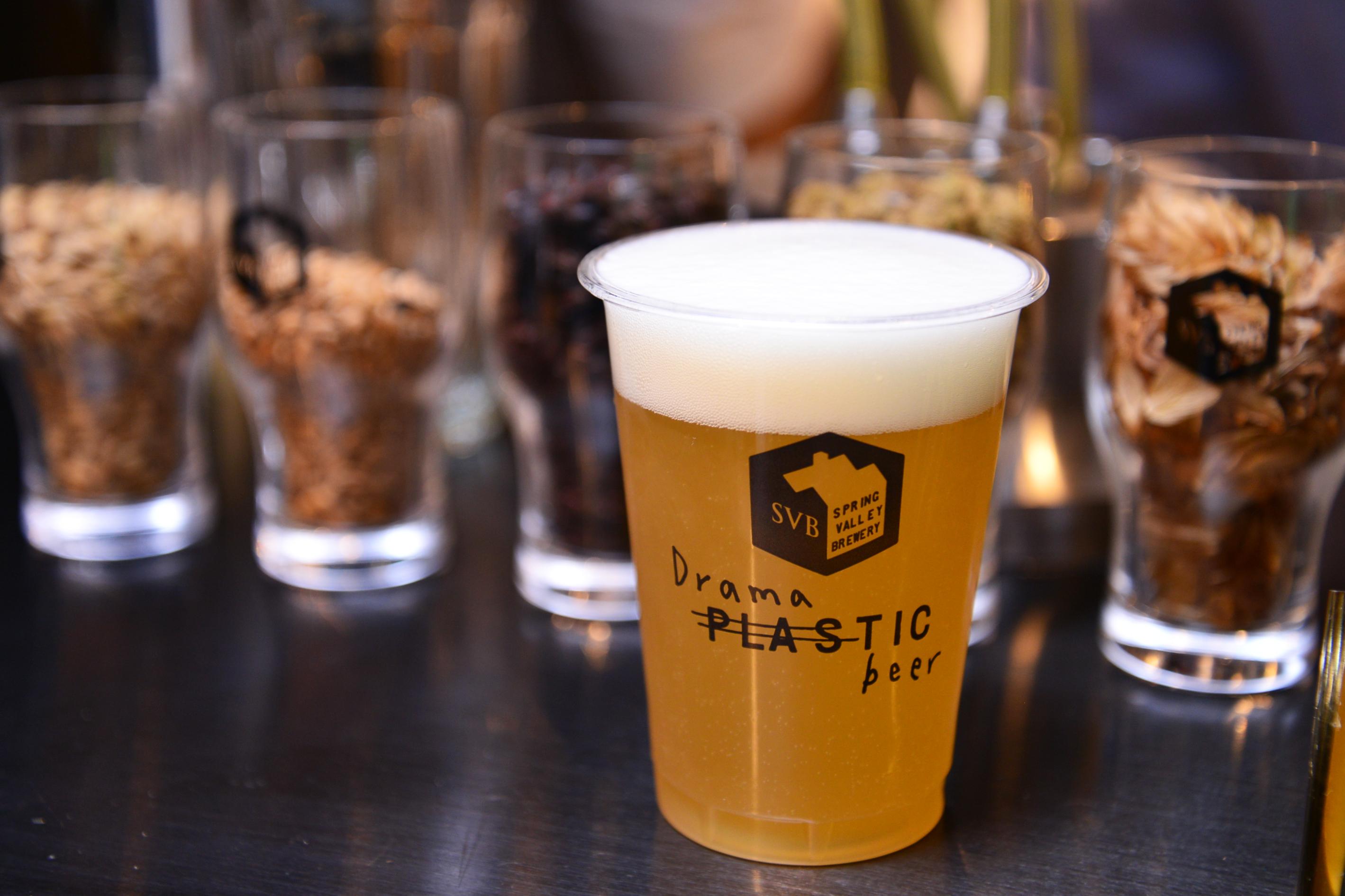 ↑SVB東京で9月18日より販売されているウィートエール「生ホップ超特急2016」。岩手県江刺産ホップが摘みたてで使われており、小麦系ビールのフルーティな風味にフローラルさが加わって実に華やかです