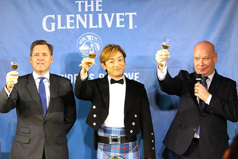 ↑新商品発表会には、テレビ番組の撮影でスコットランドに長期滞在したことがある俳優・山本耕史さんが登壇