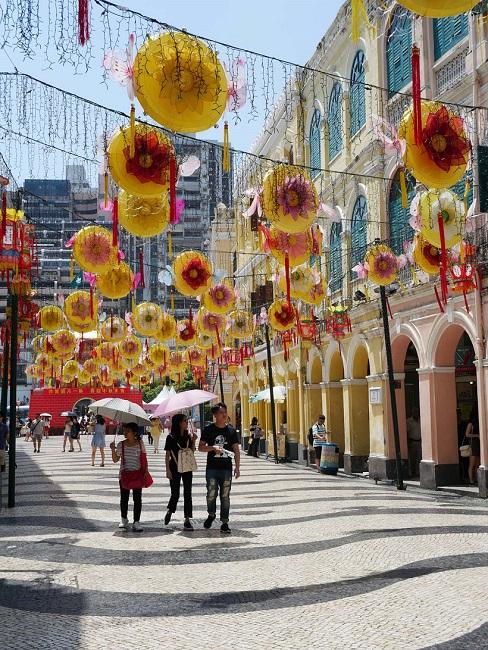 ↑セナド広場では中秋節をはじめイベントごとに様々な飾り付けが行われる