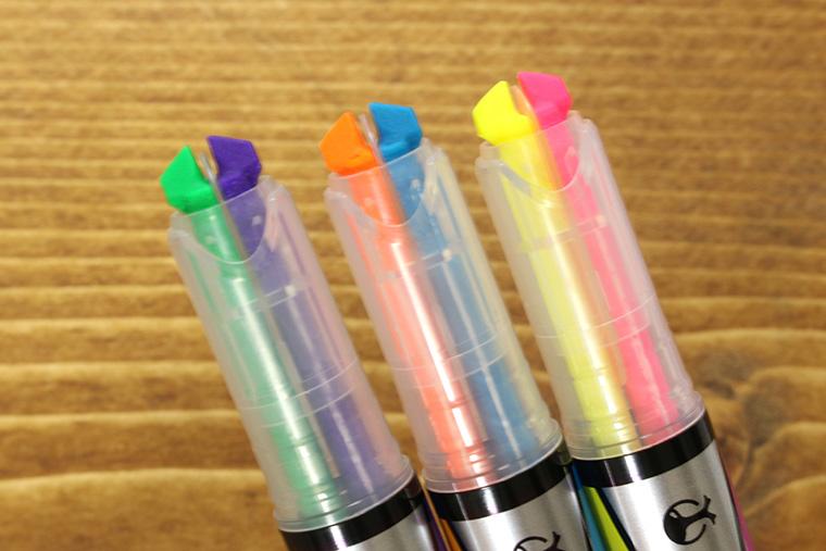 ↑2色に分かれたカブトムシのツノ状のチップ