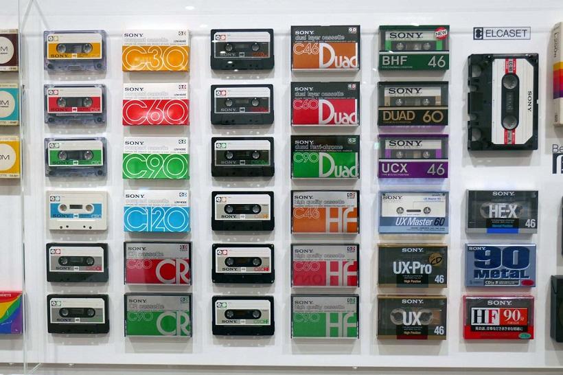 ↑ソニーは数多くのメディアのフォーマッターでもある。会場ではそのメディアの全てが展示された