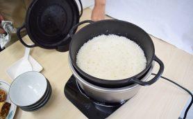 話題のバーミキュラ炊飯器を早速トライ! 同じ鍋でリゾットもできて洗いやすいのが超便利!