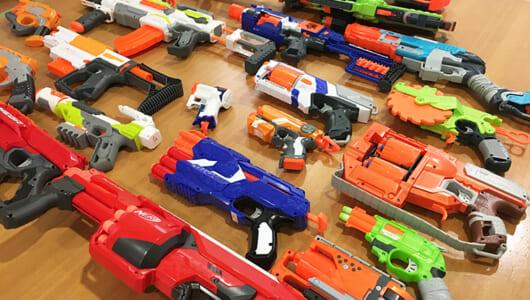 """""""子ども向け""""のおもちゃにハマる大人が急増中? タカラトミー「NERF」の世界観は流行の近未来系FPSそのもの"""