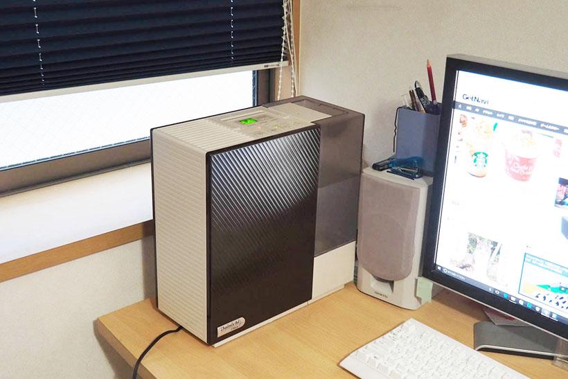↑コンパクトなので寝室やパソコンの横など、限られたスペースにも設置できます
