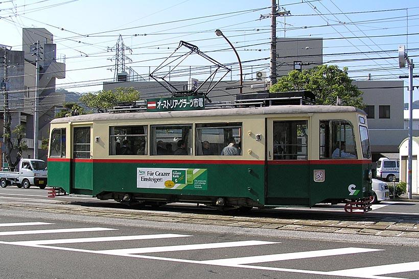 ↑細身の車体がお洒落な320号車は、元オーストリア・グラーツ市電