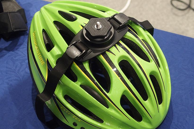 ↑バンデットヘルメットマウント。自転車のヘルメットなどに装着できます